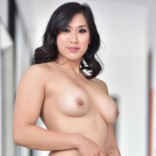 Порнозвезда Mia Li