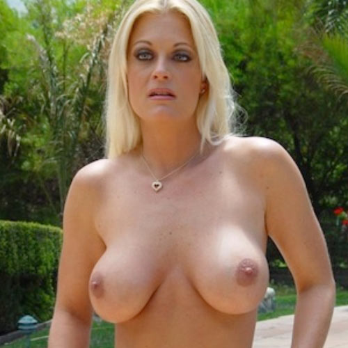 Порнозвезда Brooke Hunter (Брук Хантер)