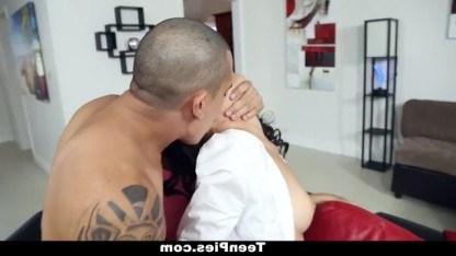 Молодая Adrian Maya рискнула побывать в гостях у соседа и стала его любовницей