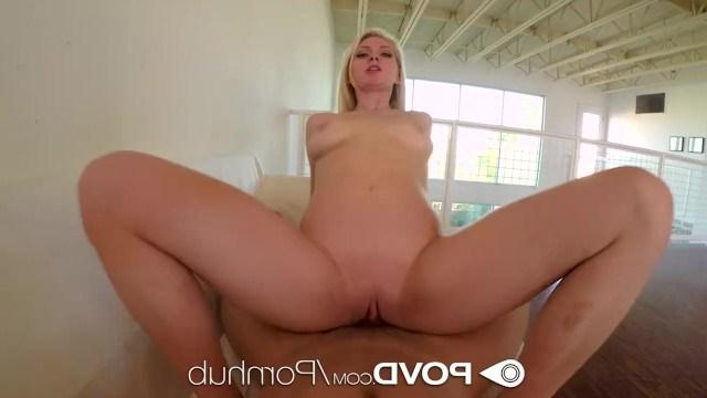 Alli Rae выделывалась перед приятелем и затеяла с ним изысканный секс
