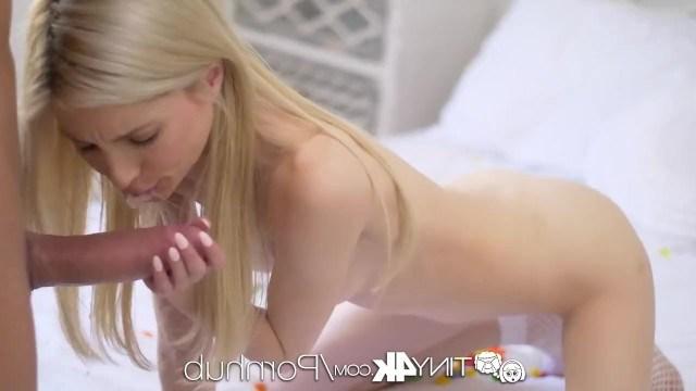 Конфетка Пайпер Перри в свой день рождение получила длинный хуй в розовою писю