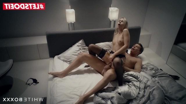 Молодая пара побаловала себя жестким утренним сексом