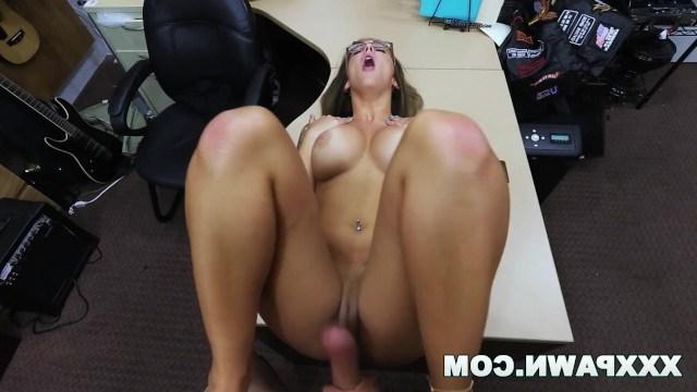 Лейла В Порно